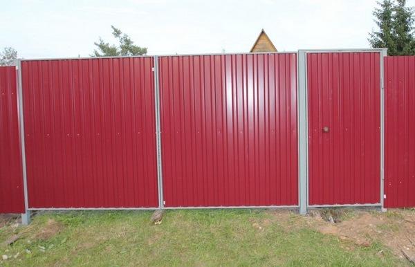Забор из профнастила фото своими руками
