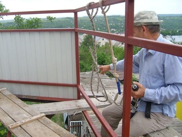 Обшивка балкона профнастилом своими руками - полезные советы.